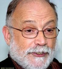Economista. Vicepresidente de Justícia i Pau. Profesor de la Universitat Autònoma